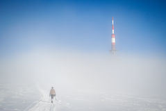 Alpinista a distanza Immagini Stock Libere da Diritti