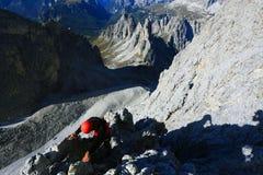 Alpinista en Cadini di Misurina Fotos de archivo