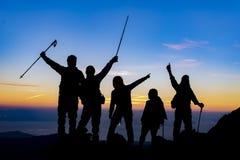 Alpinista, spedizione ed il successo del gruppo Fotografie Stock Libere da Diritti