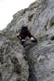 Alpinista su Pittentaler Klettersteig Immagini Stock