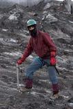 Alpinista su un ghiacciaio Immagini Stock Libere da Diritti