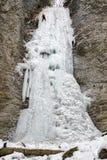 Alpinista sul icefall di Brankovsky, Slovacchia Immagini Stock Libere da Diritti