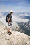Alpinista sulla sommità Fotografia Stock