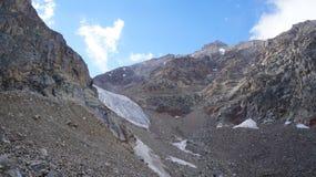 Alpinistas en el glaciar Fotografía de archivo libre de regalías