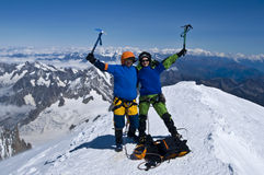 Alpinistas sobre alpes fotografia de stock