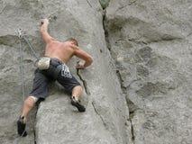 alpiniste d'homme de grimpeur Photographie stock