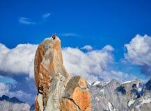 Alpinisti che scalano sulle rocce ad Aiguille du Midi, Chamonix-Mont-Blanc, Francia Fotografie Stock