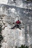 Alpinisti nella scogliera vicino al villaggio di Siurana, Spagna Fotografia Stock