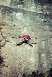 Alpinisti nella scogliera vicino al villaggio di Siurana, Spagna Fotografie Stock