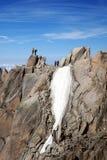 Alpinisti su una cima della scogliera Immagine Stock Libera da Diritti