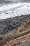 Alpinisti sulla traccia Immagini Stock