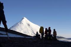 Alpinists e montanha. Fotografia de Stock