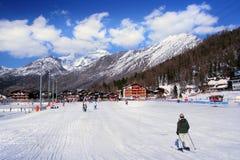 alpint går semesterorten till Fotografering för Bildbyråer