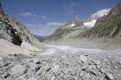 Alpint landskap med berg och glaciären Fotografering för Bildbyråer
