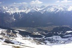 Alpint skidar semesterorten Serfaus Fiss Ladis i Österrike Arkivbilder