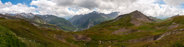 Alps Frankrike (Kolonn du Bonhomme) - panorama Arkivfoton