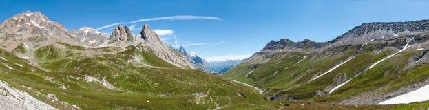 Alps Frankrike (vid Courmayeur) - panorama Royaltyfri Fotografi