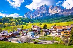 Alps kształtują teren w Cortina d ` Ampezzo Fotografia Stock