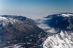 alps kształtują teren zima fotografia stock
