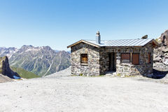 Alpss House with mountain Royalty Free Stock Photography