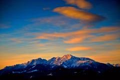 alps utanför den salzburg soluppgången royaltyfria bilder