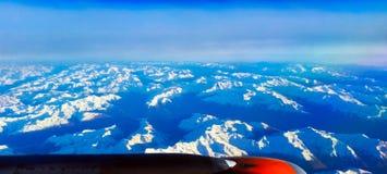Alps - widok z lotu ptaka od samolotu - Szwajcaria obrazy stock