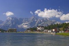 alpsdolomiteitaly lake Royaltyfri Foto