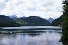 Alpsee湖在巴伐利亚 免版税图库摄影
