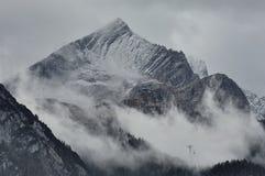 Alpspitze vóór een onweersbui Royalty-vrije Stock Foto