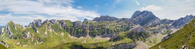 Alpstein断层块全景视图  库存图片