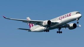 A7-ALQ Qatar Airways, Airbus A350-941 royalty free stock photos