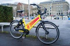Alquiler de la bici Fotografía de archivo libre de regalías