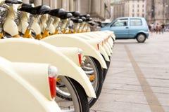 Alquiler de la bici Imágenes de archivo libres de regalías