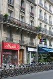 Alquiler de la bici de París Imagenes de archivo
