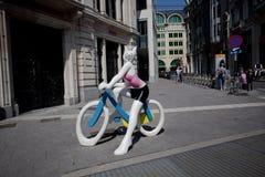 Alquiler de la bici de Villo en la Bruselas Foto de archivo