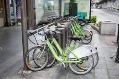 Alquiler público de la bici de Bangkok imagenes de archivo
