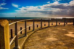Alrededor de la curva, orilla del mar del oeste de la bahía Foto de archivo libre de regalías