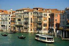 Alrededor del canal magnífico, Venecia Foto de archivo libre de regalías