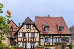 alright Fasader av korsvirkes- hus Fotografering för Bildbyråer
