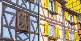 Alsaziano pittoresco del villaggio di Colmar, Francia Immagini Stock