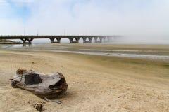 Alsea在美国101, Waldport,俄勒冈的海湾桥梁 库存图片