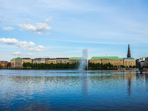 Alsterfontaene (fontaine d'Alster) chez Binnenalster (lac intérieur Alster) dans le hdr de Hambourg Image libre de droits