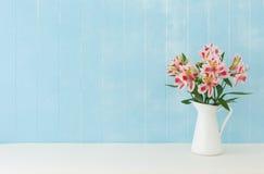 Alstroemeriablumen Stockbild
