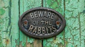 Alt passen Sie von den Kaninchen unterzeichnen auf lizenzfreies stockbild