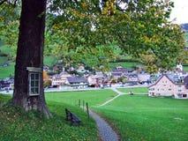 Alt St Johann in het Toggenburg-gebied en in de Thur-Riviervallei stock afbeeldingen
