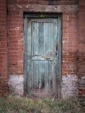 Alt und Rusty Door Stockfotografie