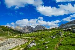 Alta через в доломиты Стоковое Изображение RF