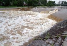 Alta acqua sul fiume Fotografia Stock Libera da Diritti