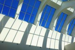 Alta architettura del dettaglio della parete di vetro dell'interno Fotografie Stock