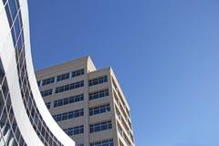 Alta architettura moderna dell'edificio per uffici di aumento Immagine Stock Libera da Diritti
